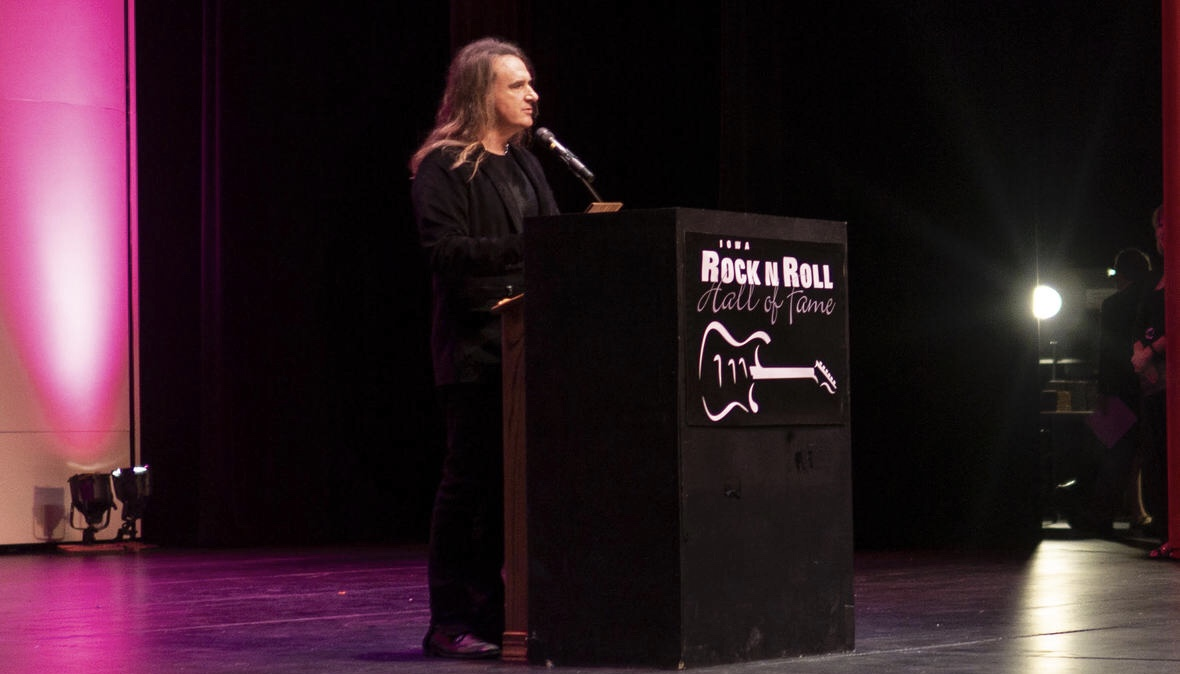 MEGADETH BASSIST DAVID ELLEFSON INDUCTED INTO IOWA ROCK N' ROLL HALL OF FAME